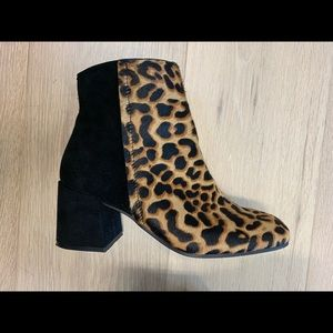 Naked feet leopard ankle boots
